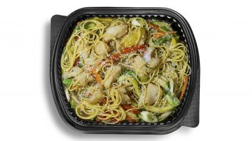 Chinese Noodles With Vegetables & Fish